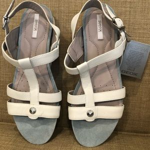 NWT GEOX Respira walking sandal low wedge white